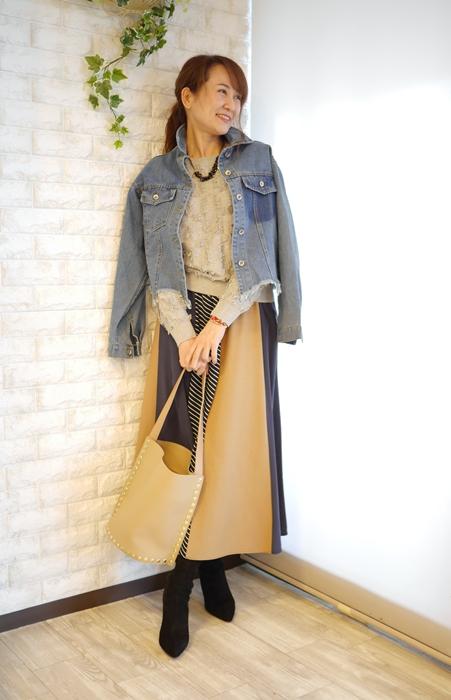 Cloche(クロッシェ)ブランド、春ニットとAnna Kerryパネル切替マキシスカートのコーディネート