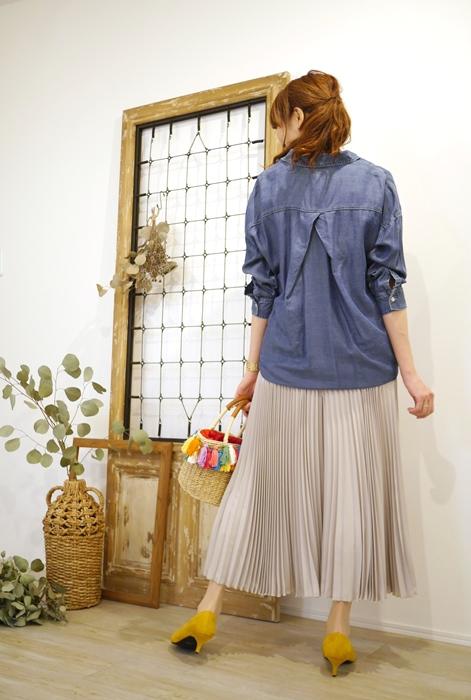 Anna Kerry(アンナケリー)裾タックテンセルデニムシャツとプリーツガウチョパンツの30代40代向けコーディネート