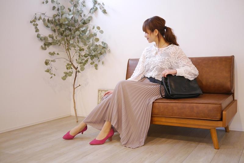 EMUE(エミュー)花刺繍チュールブラウス白のコーディネート