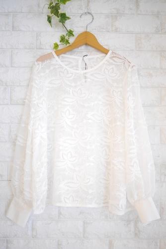 EMUE(エミュー)花刺繍チュールブラウス、ホワイト(白)