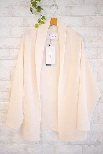 Cloche(クロッシェ)襟付きジャケット風ニットカーディガン、オフホワイト