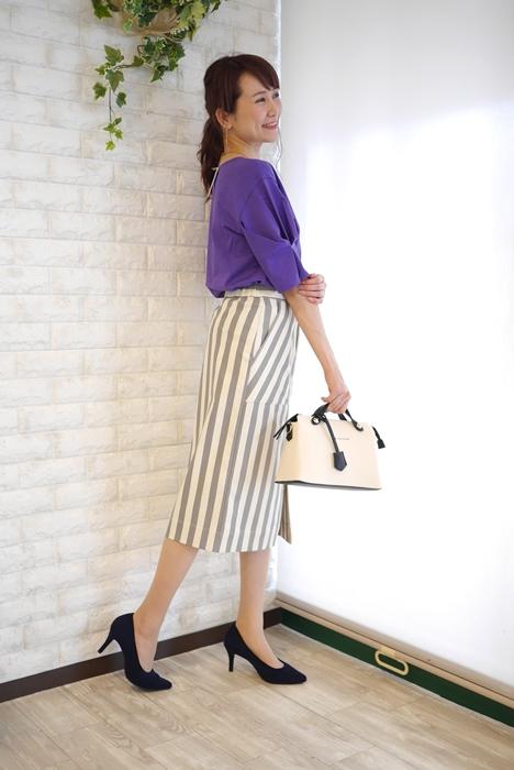 Cloche(クロッシェ)日本製トルファンゴールド綿100%ブラウス見えTシャツ・パープルのコーディネート