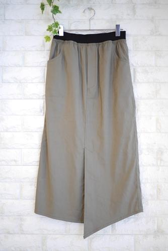 大人の夏ファッションにオススメのPriority(プライオリティ)麻混ストレッチタイトスカート・カーキ