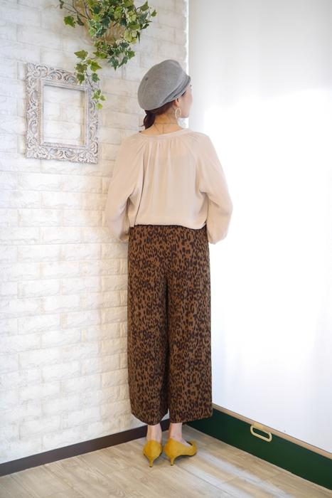 Anna Kerry(アンナケリー)レオパード柄シフォンワイドパンツ・ブラウンのコーディネート例