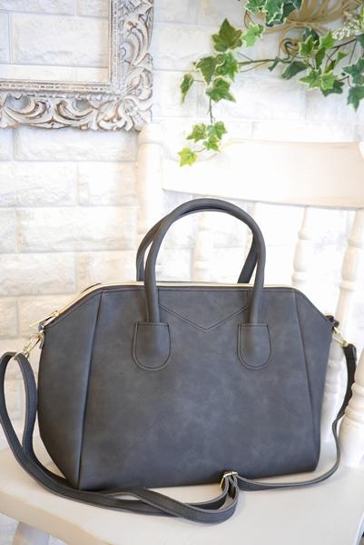 大人キレイファッションにぴったりボストン型2way軽量チャコールのバッグ