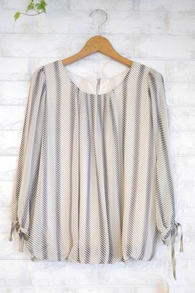 MICELLE(ミセル)by Lastinのロングセラー裾バルーンシフォンブラウス・バイアスストライプアイボリー