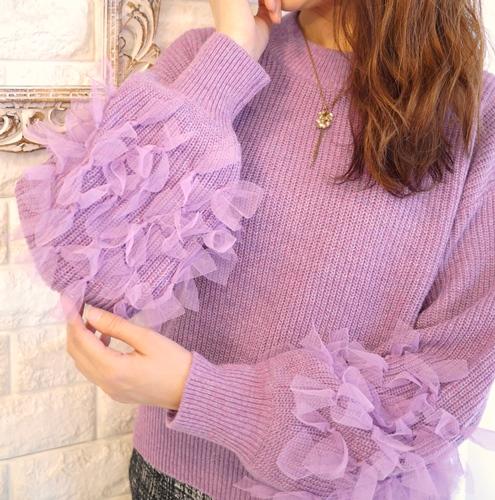 anana(アナナ)by fiore fiore(フィオールフィオーレ)チュールリボン飾りふわ袖ローゲージニット・ラベンダー